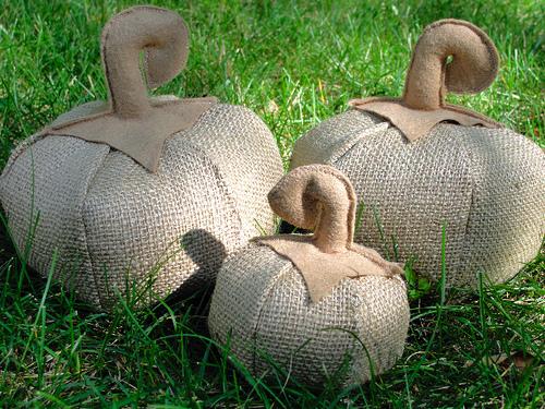 burlap pumpkins (500x375, 219Kb)