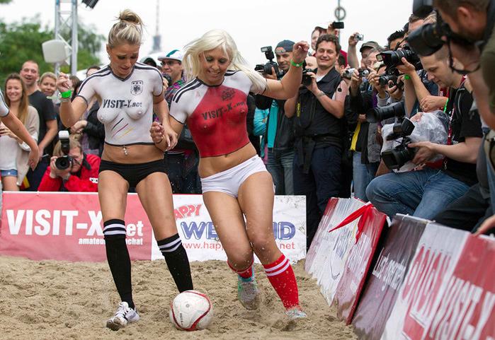 женский футбол фото 3 (700x481, 171Kb)