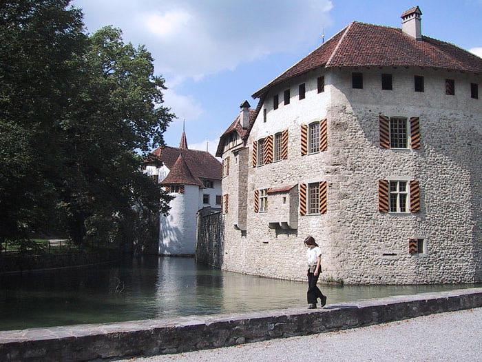 Замок Хальвиль (Schloss Hallwyl) 91777