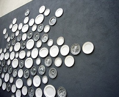 Plates on wall design