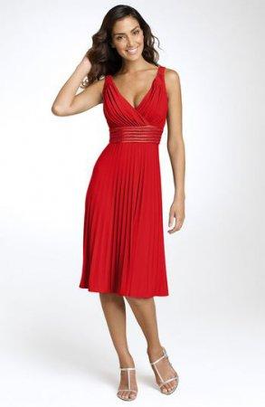 красное платье (293x450, 15Kb)