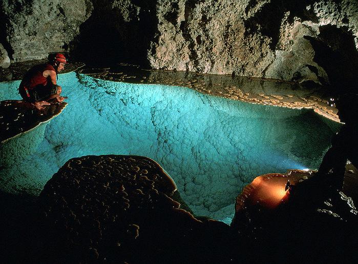 пещеры (700x515, 212Kb)