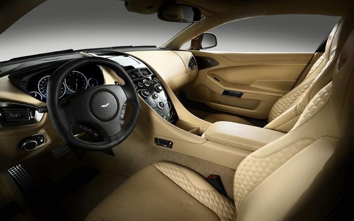 Aston Martin Vanquish фото 6 (700x437, 73Kb)