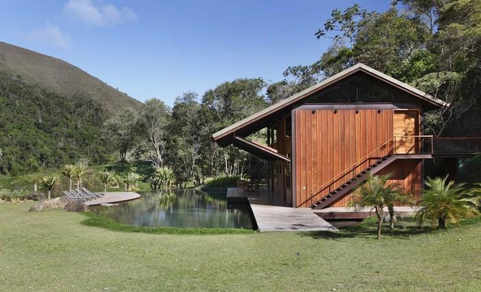 Уютный летний домик у озера от Карлы Беллетти 1 (700x425, 104Kb)