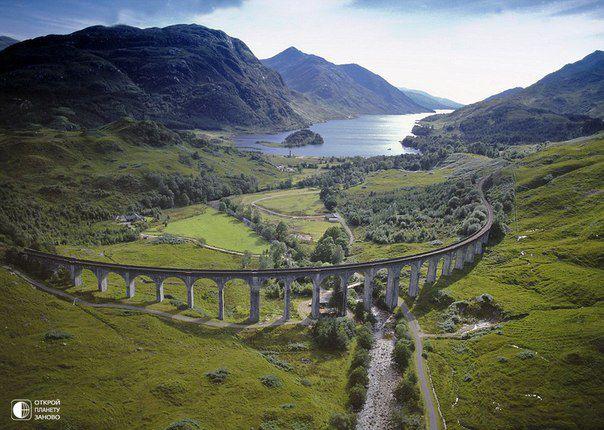 Виадук Гленфиннан в Шотландии. Это именно тот виадук, по которому ехал Гарри Поттер (604x430, 66Kb)