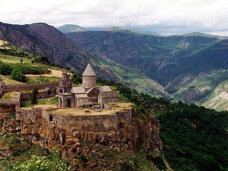 Монастырь Татев, Армения (450x338, 45Kb)