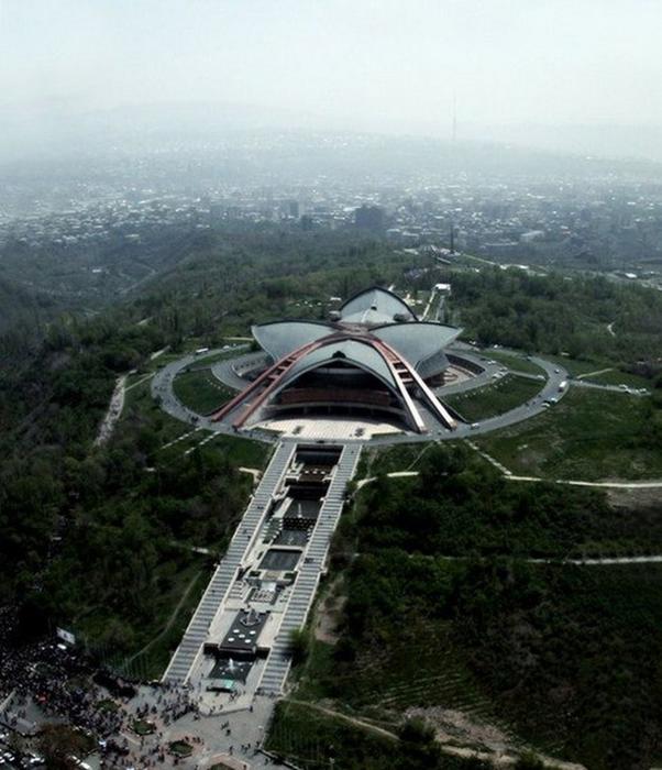 Фотопутешествие в Ереван 14 (602x700, 379Kb)