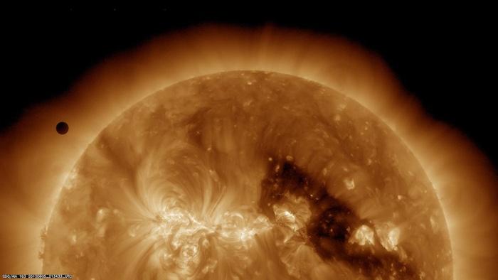 космические фото наса 2 (700x394, 56Kb)