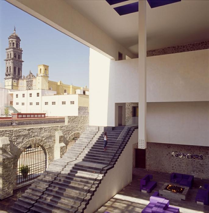 отель в монастыре фото 2 (686x700, 304Kb)