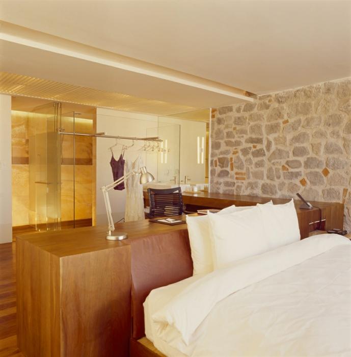 отель в монастыре фото 7 (689x700, 274Kb)