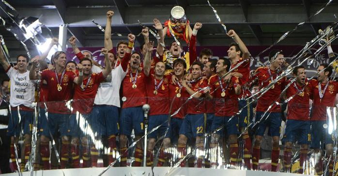 Испания-чемпион Евро 2012 года!/3085196_858571 (700x363, 100Kb)