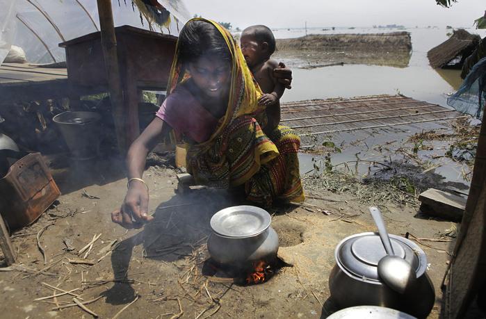 наводнение в индии 1 (700x459, 141Kb)