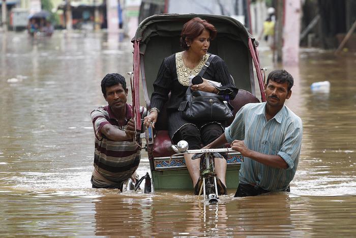 наводнение в индии 11 (700x468, 141Kb)