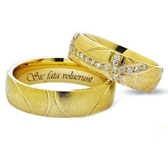 каталог золотых колец с бриллиантами