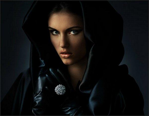 Женские образы глазами Олега Титяева