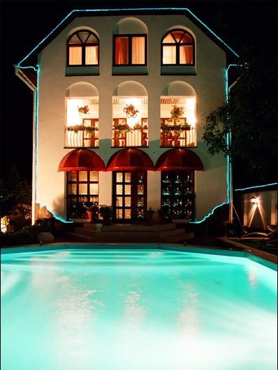 hotel20050031ux (398x531, 59Kb)