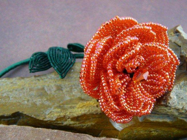 цветок из бисера схема плетения.