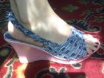 Остальное: из старых шлепок - джинсовые плетёнки . . .  (Переделка обуви, джинсовая обувь своими руками) ФОТО #4.