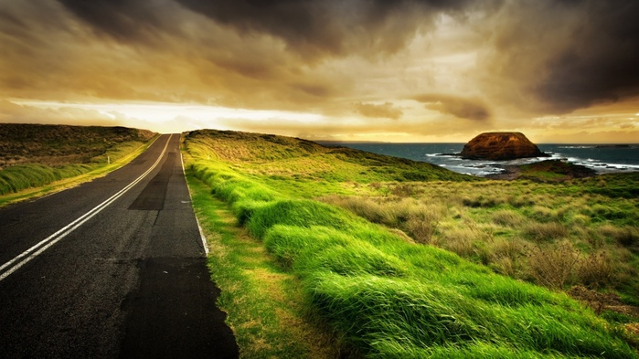 дорога,путь,трава,закат,облака, обои на рабочий стол (700x393, 118Kb)