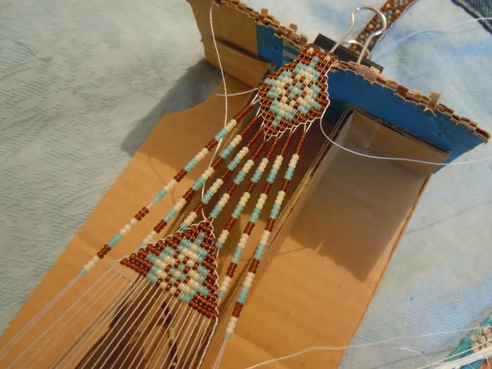 Станочное ткачество (герданы, браслет из бисера) .