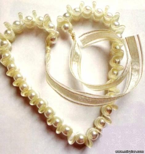 Ожерелье из бусин и ленты своими руками
