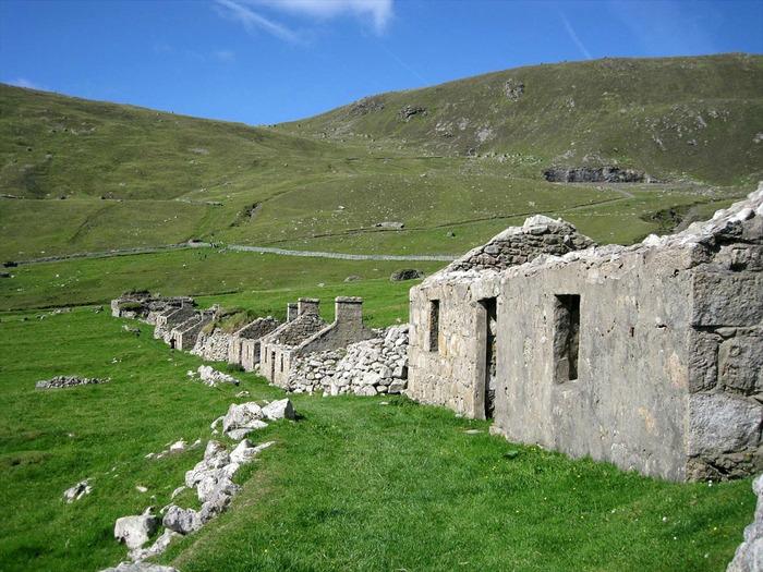 заброшенная деревня фото 2 (700x525, 177Kb)