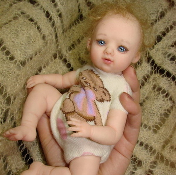 Куклы-малютки Галины Маковской (6) (600x597, 88Kb)