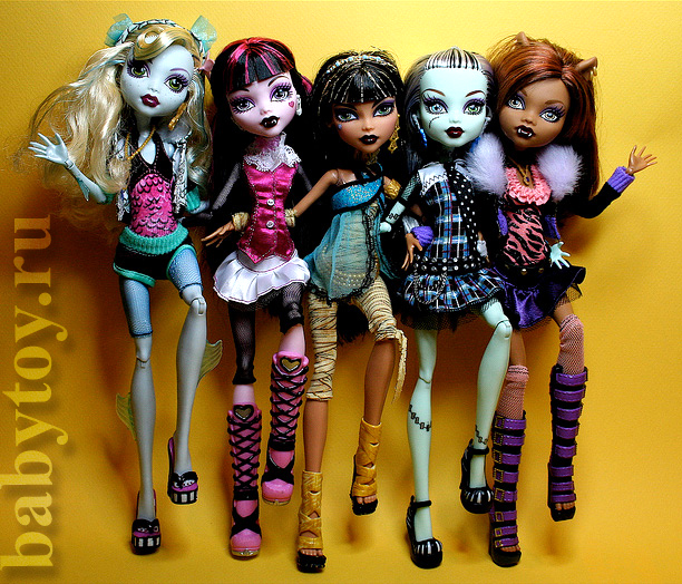 MonsterHigh1 (612x524, 322Kb)