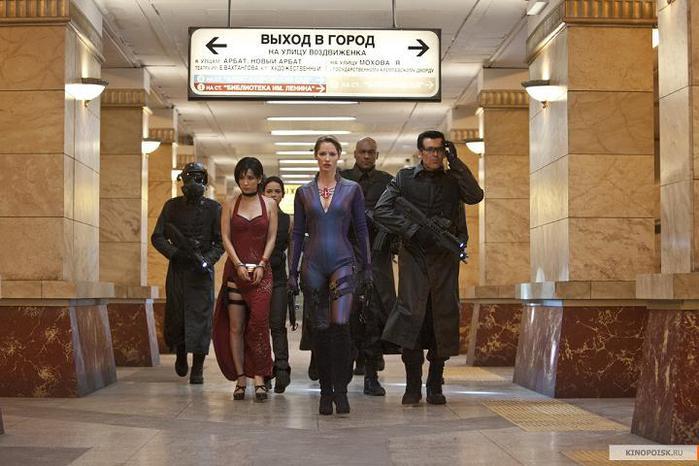 kinopoisk.ru-Resident-Evil_3A-Retribution-1954315 (700x466, 55Kb)
