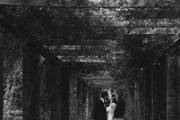 Тема свадьбы в фотографиях Jonas Peterson 36 (700x466, 76Kb)