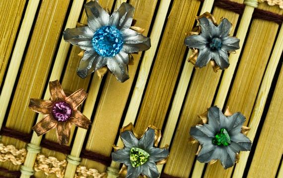 Цветы из пуль 6 (570x358, 192Kb)