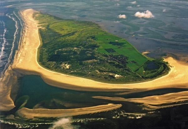 плавающий остров серых монахов1 (600x412, 225Kb)
