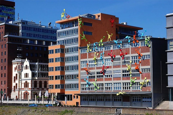 креативный дизайн здания (700x465, 148Kb)