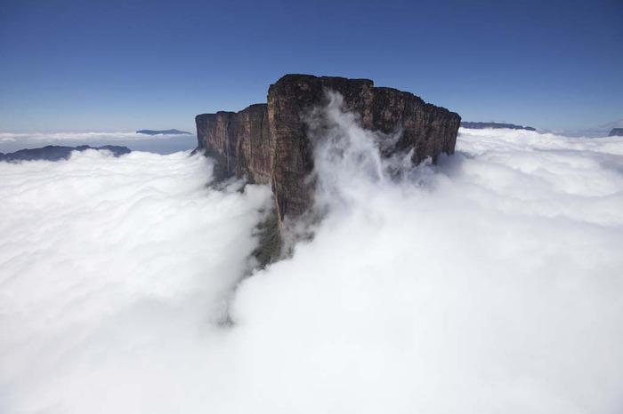 гора рорайма венесуэла (700x466, 39Kb)
