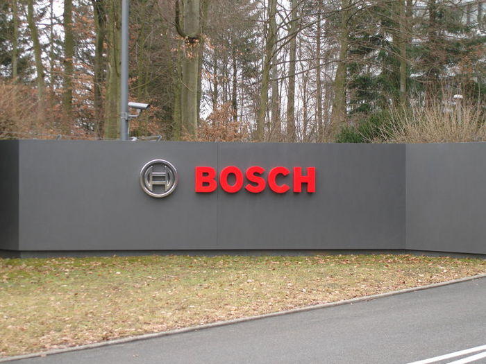 Bosch_логотип (700x525, 79Kb)