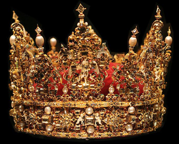 1348575687_742px-denmark_crown (700x565, 169Kb)