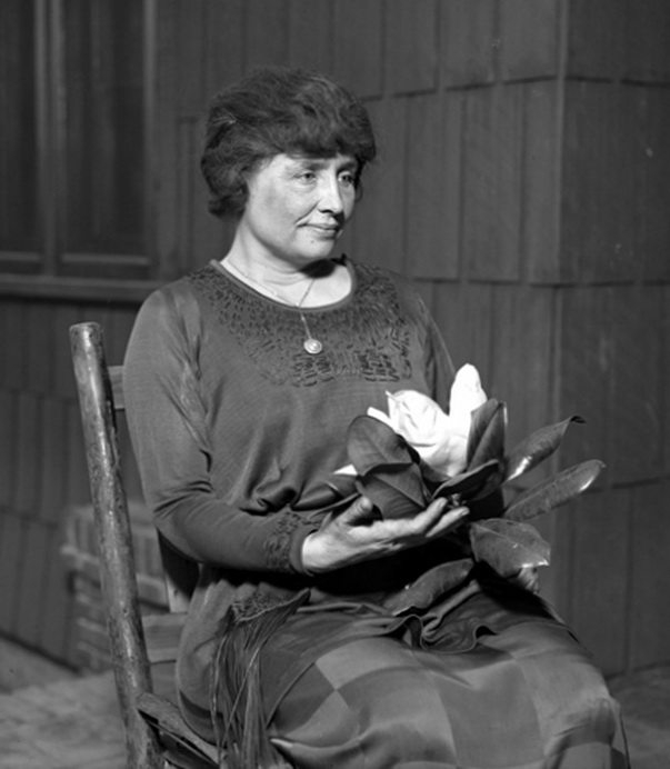 the story of helen keller as shown in the miracle worker
