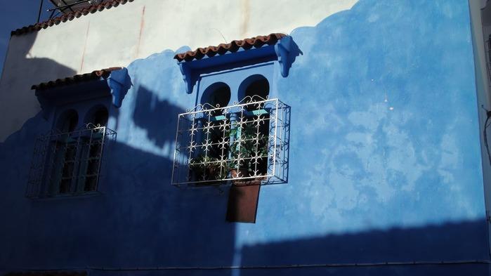В голубом этот город всплыл, Чистота или утро в нем. 22808