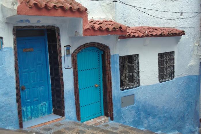 В голубом этот город всплыл, Чистота или утро в нем. 29290