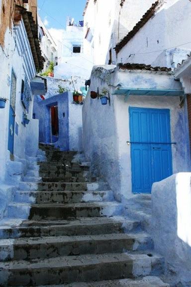 В голубом этот город всплыл, Чистота или утро в нем. 58463