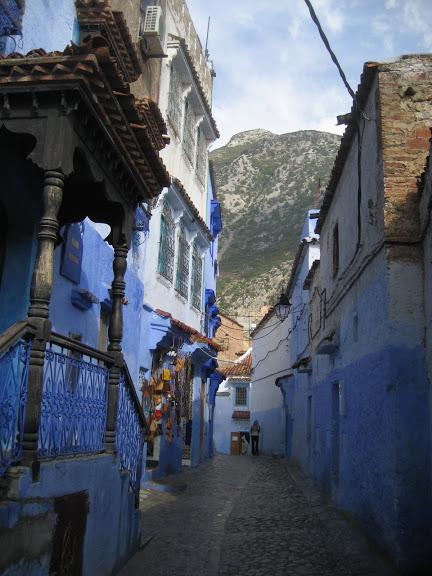 В голубом этот город всплыл, Чистота или утро в нем. 64267