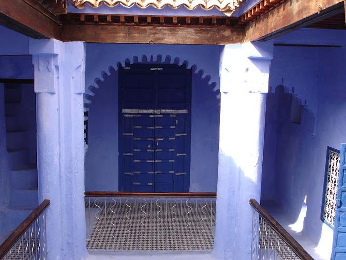 В голубом этот город всплыл, Чистота или утро в нем. 86803