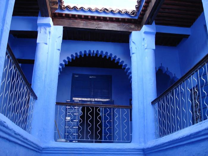 В голубом этот город всплыл, Чистота или утро в нем. 49246