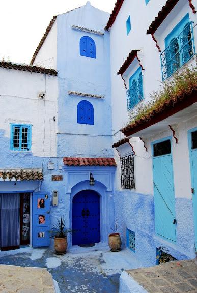 В голубом этот город всплыл, Чистота или утро в нем. 31444
