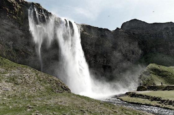 Водопады Исландии6 (560x372, 41Kb)