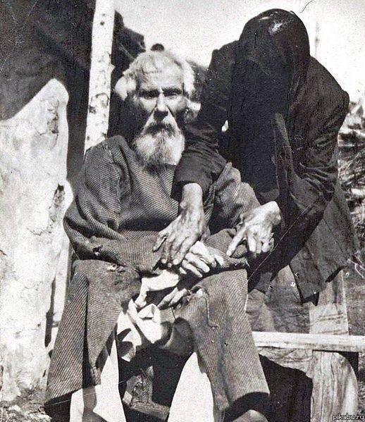Единственная фотография участника Бородинского сражения Павел Яковлевич Толстогузов, в 1912 г. ему было 117 лет./1353217441_1812 (518x599, 95Kb)