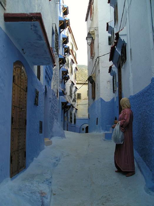 В голубом этот город всплыл, Чистота или утро в нем. 73528