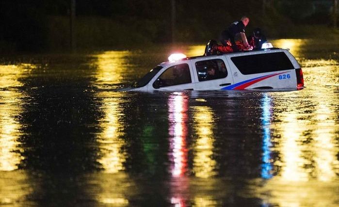 Наводнение в Торонто (ужасные фотографии)
