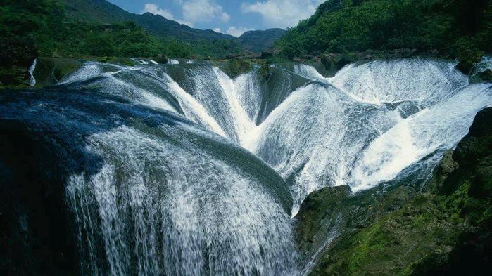 Водопад Жемчужина, долина Цзючжайгоу, Китай (700x393, 345Kb)