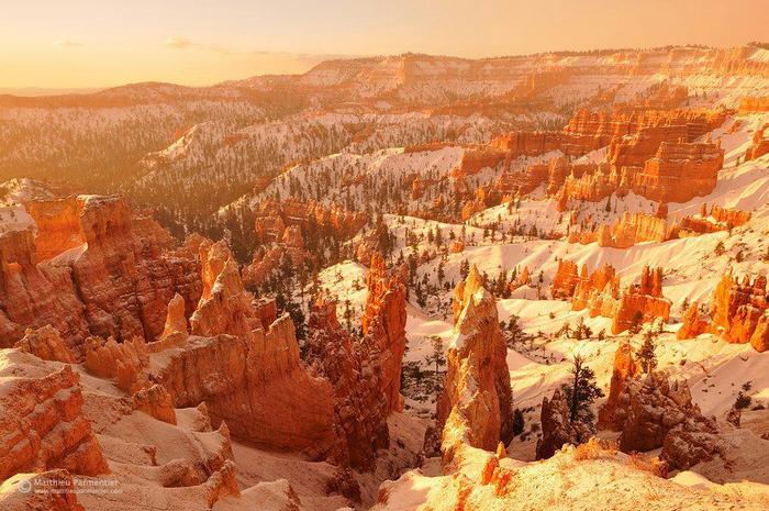 Рассвет в Национальном парке Брайс-Каньон, США (700x465, 479Kb)